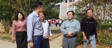 国庆刚过,县教育局局长任曙光到各学校督办项目建设工程进度