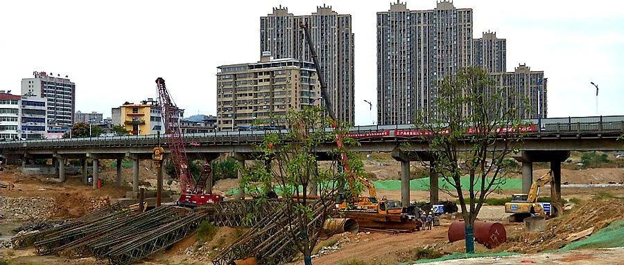 黄强胤督办澳门威尼斯人游戏河生态综合整治和城北大市场片区旧城改造建设进度