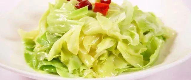 卷心菜就得这样吃,一盘都不够,便宜又好吃,给肉都不换!
