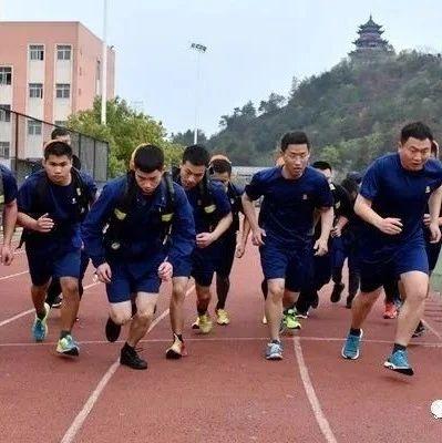 南城县消防救援大队掀起练兵热潮