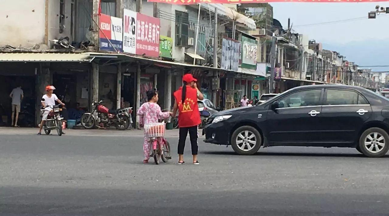 枝江车主们:开学了,路上见到孩子请这样做,我呼吁,您接力!