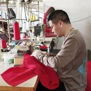 """凌石生:""""扶贫车间""""开启创业路"""