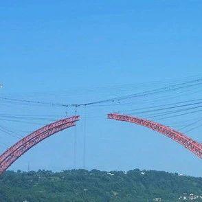 合江长江公路大桥建设顺利主拱预计本月25号合拢