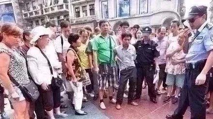 昨晚,整个望江家长都在看这个男老师的视频