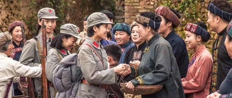 央视记者来探班!《半条被子》感动中国,温暖世界!