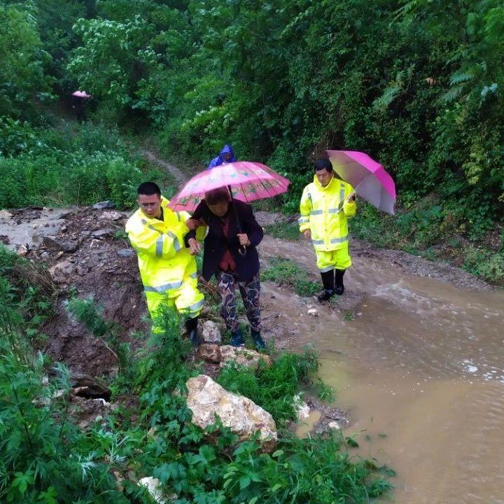 丹江口市积极应对强降雨,无人员伤亡!