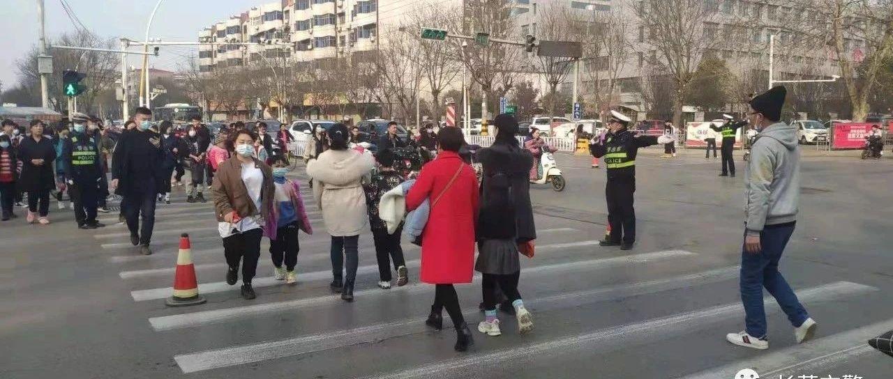 长葛交警圆满完成春节期间道路交通安保任务