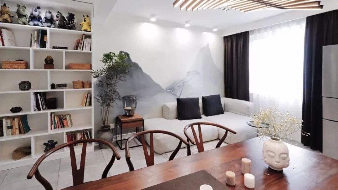 新中式风的56平小户型二居室,沙发背景墙简单又有禅意