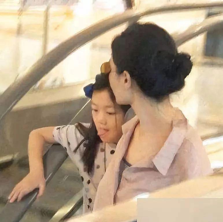 王菲女儿刷屏:见过世面的孩子,到底有多厉害