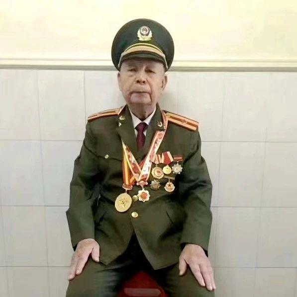 揭西�@位老前�,�⒓恿舜舜伪本�70周年���c�兵�x式!