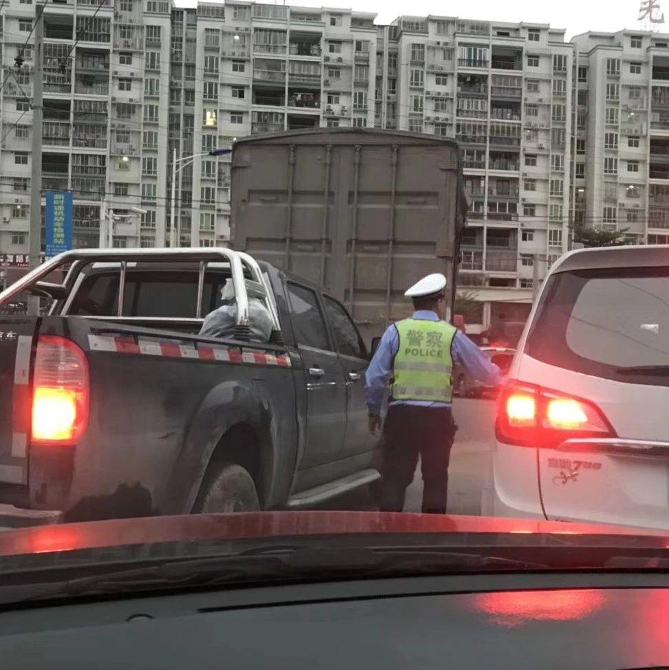 昨天下午揭西人的朋友圈被塞车刷屏,大家出行一定要注意安全!