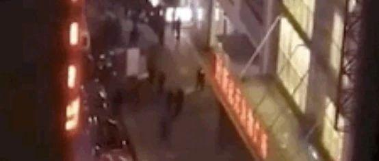 惨!闹市一男子从天而降,两高三学生被砸死,警方披露的一个细节让网友怒了