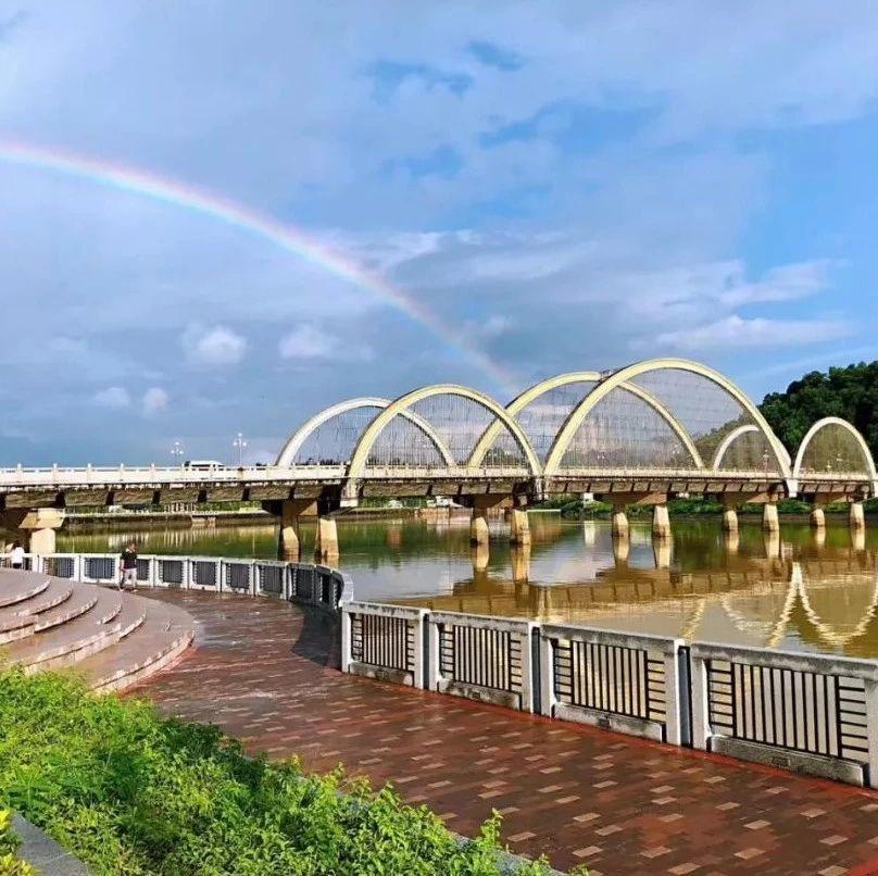 今天揭西上空的彩虹刷爆朋友圈,最后一��太有��意了