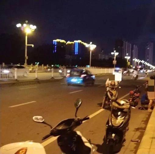快看!警察对漯河黄河路大桥上钓鱼的这帮伙计出手了!