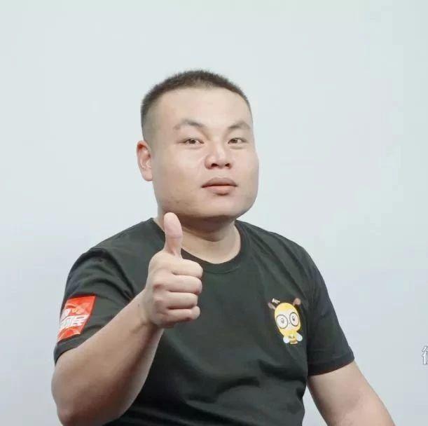他曾是漯河银鸽集团的电工,现成为漯河第一网络大V,粉丝51万,认识么?