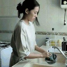 【警惕】把碗泡一会儿再洗,你猜会产生多少细菌?
