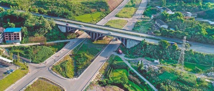 """邻水交通建设助力""""进城入圈"""",省道208线有望今年8月底实现通车…"""