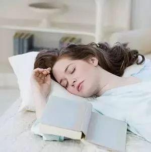 熬夜等于慢性自杀!南溪人需要知道的睡6小时和8小时的区别