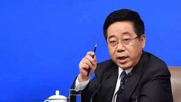 """教育部部长:中国""""玩命的中学快乐的大学""""现象应扭转"""