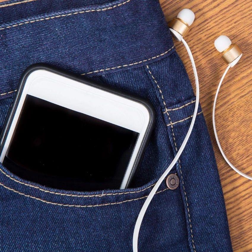 【提醒】手机不用时,屏幕要朝上还是朝下?难怪你手机老坏!