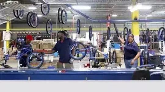 """挑战""""中国制造"""",美国人要自己生产自行车,结果尴尬地发现..."""