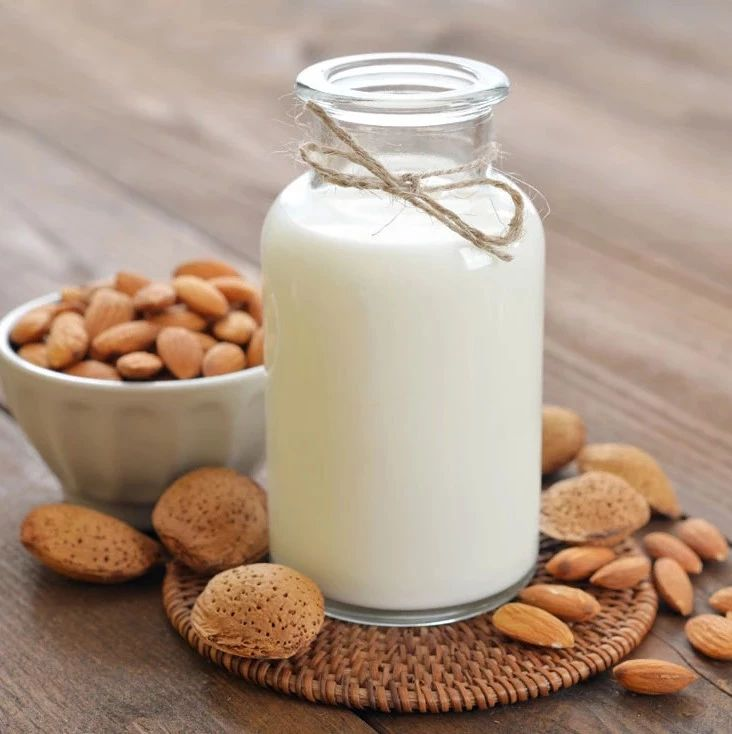 �S城人�f:空腹不能喝牛奶?真正不能空腹吃的�|西被你忽略了