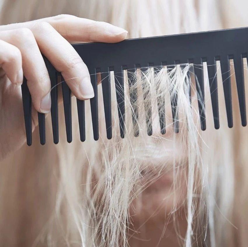 【提醒】反转?早早长白发,不是未老先衰,是为了对抗痴呆?