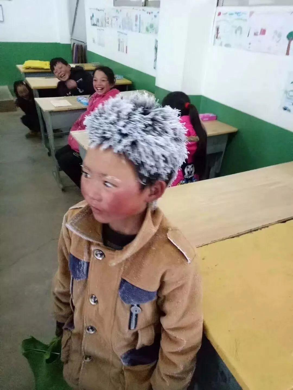 霍邱一中校长杨明生的《雪中随感》彻底火了!