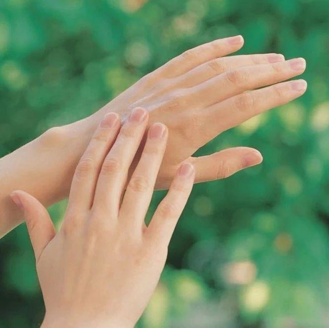 【健康】为啥指甲周围会长倒刺?是缺维生素?撕之前先看这些