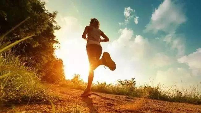 """【健康】医生眼中的""""长寿运动"""",第一名竟然不是跑步"""
