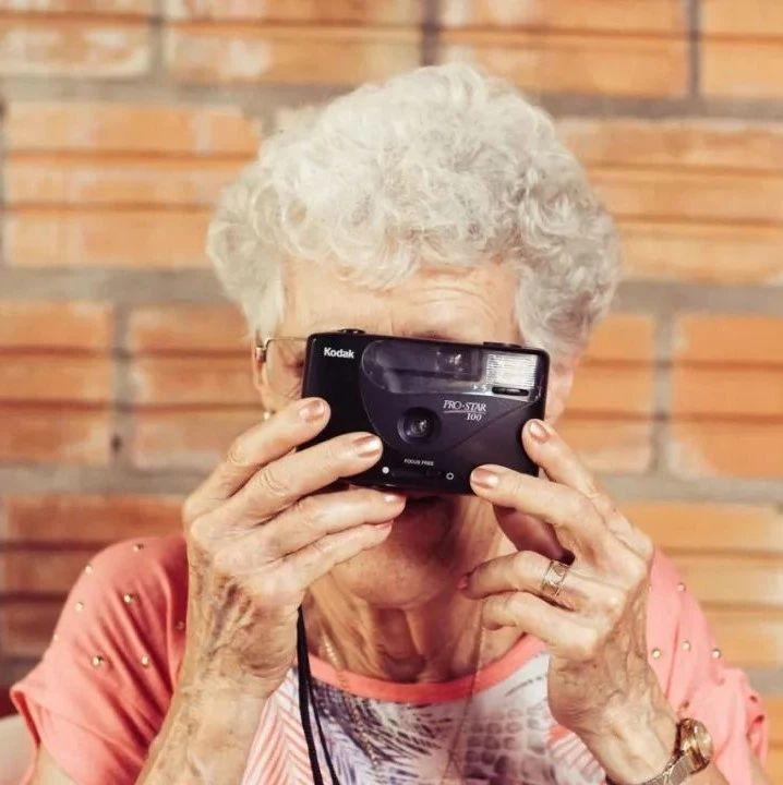 """""""脸皮厚""""的人更长寿,1000多名百岁老人验证了这一点"""
