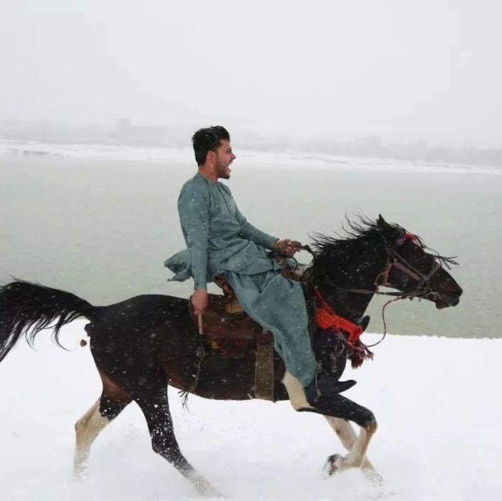 【荐读】这个国家的人超爱下雪!原因太扎心