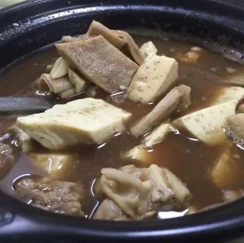 吃是一种态度!暖胃又暖心的【永春养脾散猪肚汤】上桌啦