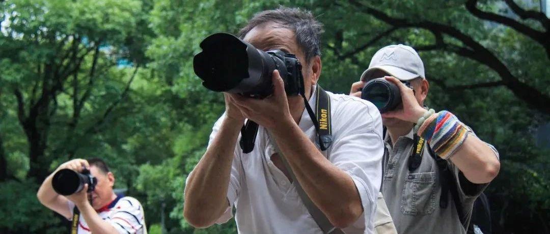 中国单反大爷,旅游摄影界的街头王者!