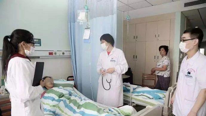 从腹痛到癌症仅3个月!她后悔大哭,医生说这个病症很多人都忽视了