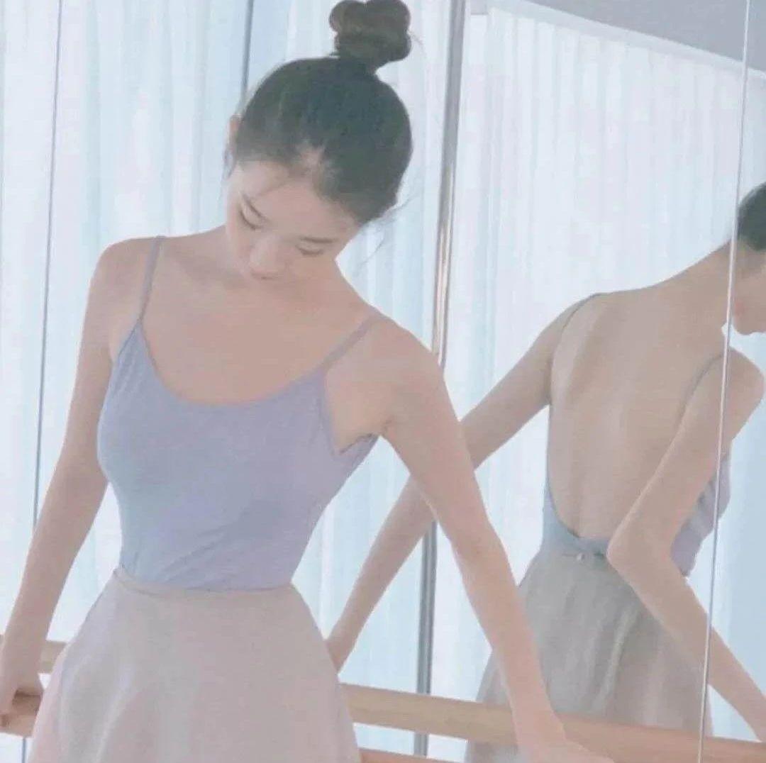 【老凤祥钻石・微封面】第2101期:秋叶