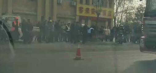 【视频】今晨突发!霍邱G105白庙段发生事故!致一人死亡…
