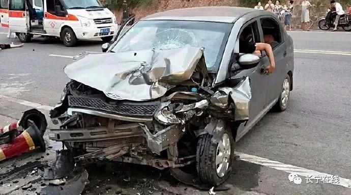 惨烈!盐李路发生车祸,2人当场死亡,多人受伤!