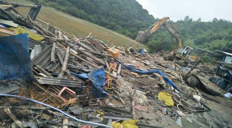 拆!揭西河婆3家非法生猪养殖场被拆除!