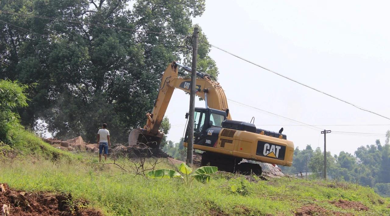 南溪第一山上,挖掘机揭开2000年前的故事......