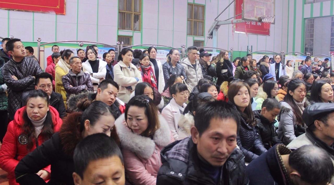 今天!看南溪这1000多位父母!