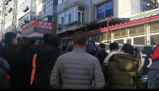 昨晚阿城永泰广小区一20岁左右男子跳楼身亡……