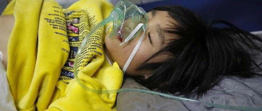 萍�l十�q小孩�M地窖缺氧昏迷奶奶下地窖救人接著昏迷……