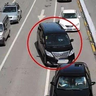 """【城事】@澳门金沙城中心人注意避让路上的这些""""大神"""",要不然你就......"""