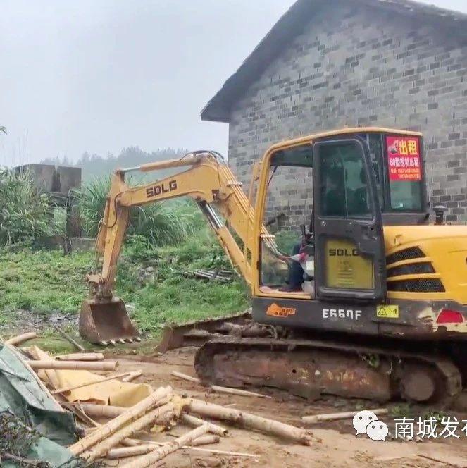 洪门镇拆除河湖圩堤管理范围内房屋