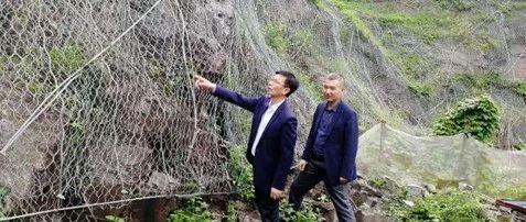 县委常委、宣传部部长黄晓俊开展巡河及督导防汛工作