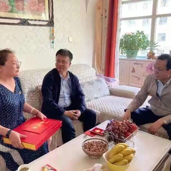 海西州委常委、组织部长黄城赴格尔木市督导调研组织工作重点任务推进落实情况