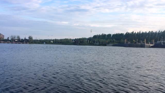 【视频】桦西湖放小船