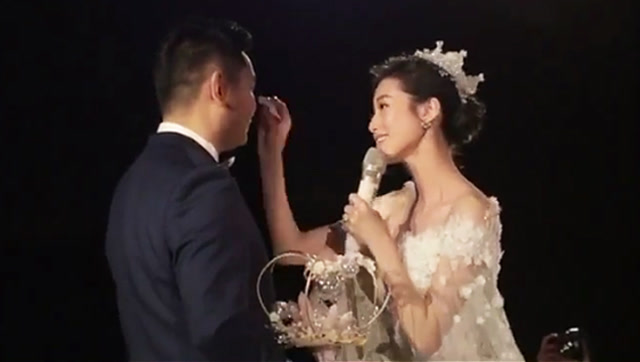 新娘婚礼一首歌唱哭新郎,全场观众都被感动了