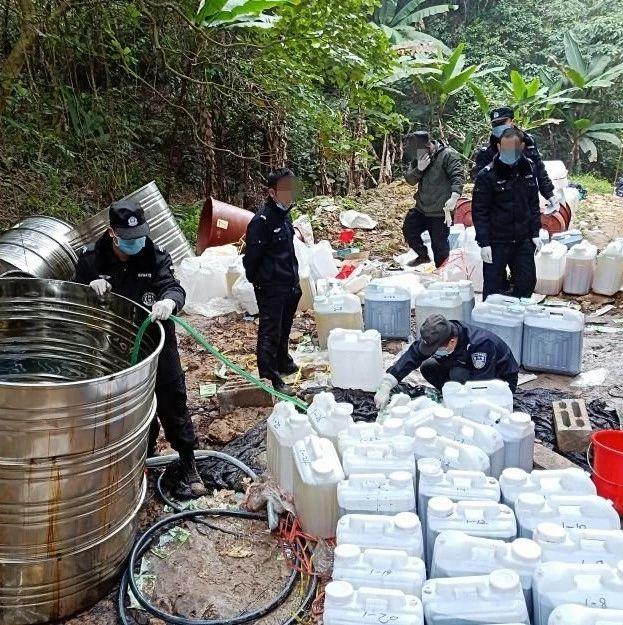 湘东:偏僻山区暗藏制毒窝点,警方查获毒品原料2444.4公斤!